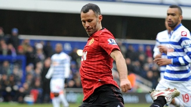 Giggs signs on again to stay at United beyond 40