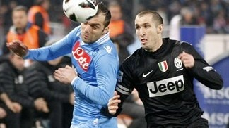 Juventus hold firm to frustrate Napoli