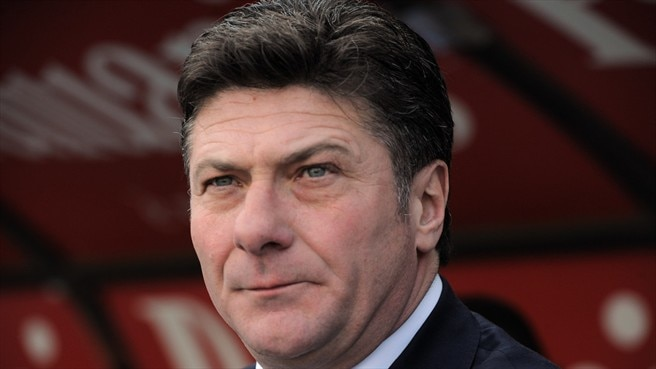 Mazzarri steps down as Napoli coach