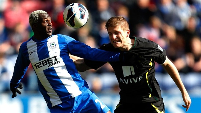 Arouna Koné (Wigan Athletic FC) & Michael Turner (Norwich City FC)