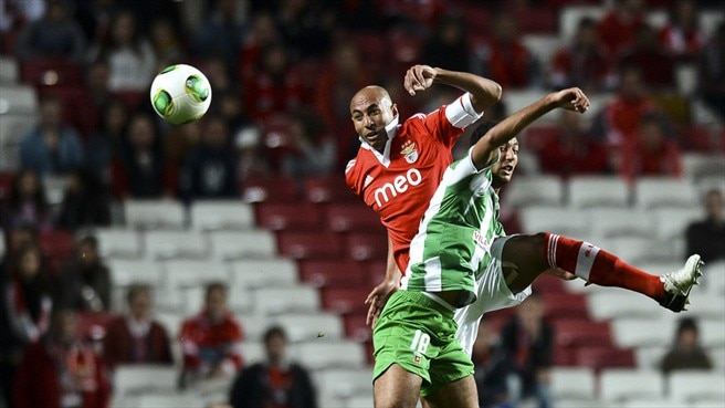 Luisão (Benfica SL) & Ahmed Hassan (Rio Ave FC)