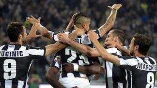 Juventus overcome Milan to close on title