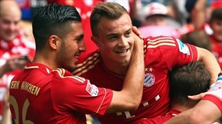 Bayern roll on as strugglers boost prospects
