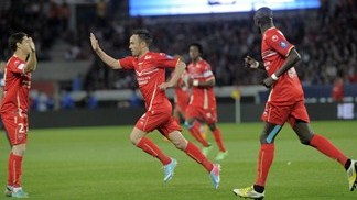 PSG forced to wait after Valenciennes draw