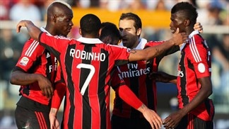 Milan power past Pescara, Juve march on