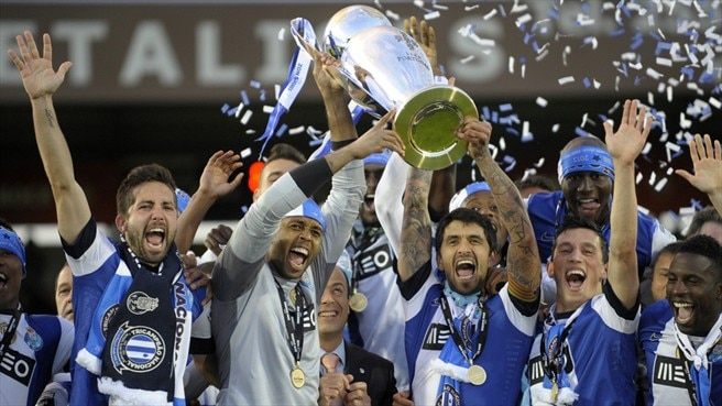 Unbeaten Porto wrap up 27th league title