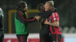 Mexès strikes late as nervy Milan finish third