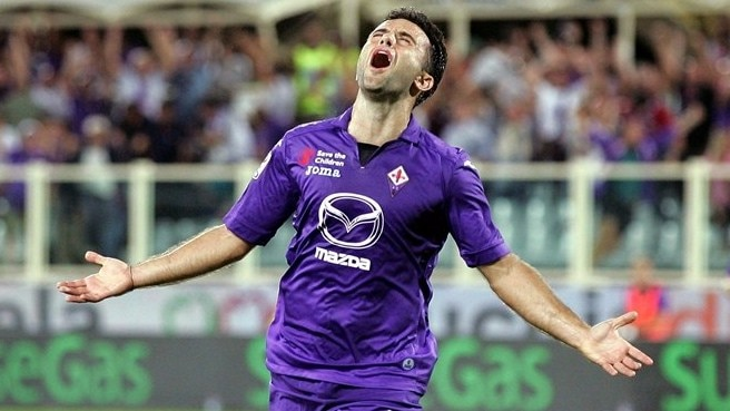 Rossi the hero as Fiorentina get off the mark
