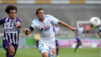 St-Etienne go top as Marseille stutter