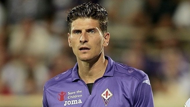 Fiorentina lose Gomez to knee injury