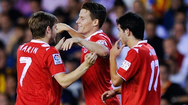Sevilla search for sixth against Freiburg