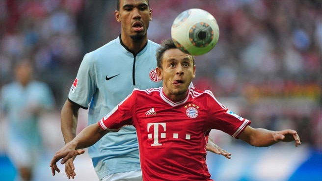 Rafinha rewarded with Bayern extension