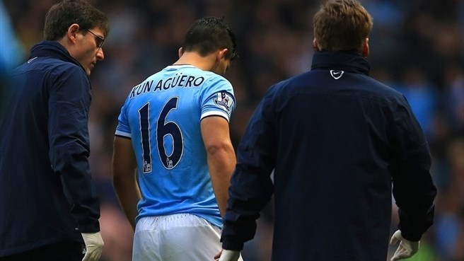 Injury rules Agüero out of Barça opener