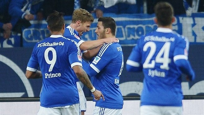 Schalke sink Hannover to bolster European claims