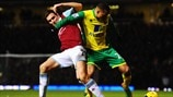 Stewart Downing (West Ham United FC) &  Martin Olsson (Norwich City FC)