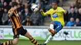 Alex Bruce (Hull City AFC) & Loïc Rémy (Newcastle United FC)