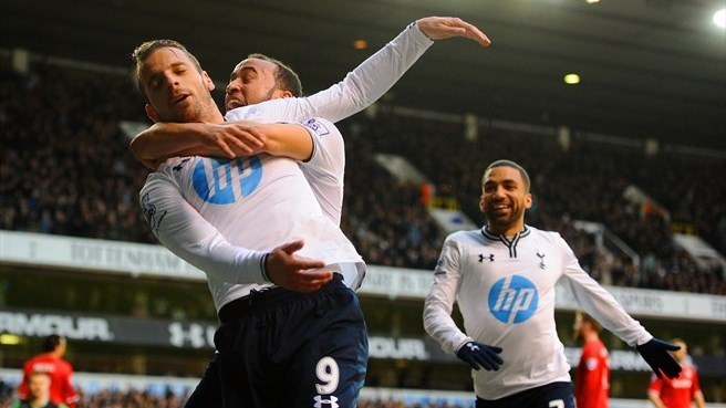 Tottenham edge Cardiff, Villa hit four