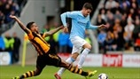 Tom Huddlestone (Hull City AFC) & Javi García (Manchester City FC)