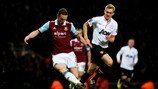 Stewart Downing (West Ham United FC) & Darren Fletcher (Manchester United FC)