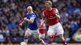 Steven Naismith (Everton FC) & Per Mertesacker (Arsenal FC)