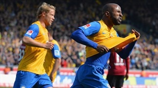 Braunschweig boost survival hopes