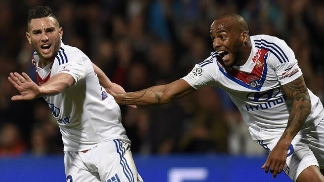Lyon inflict further pain on Paris
