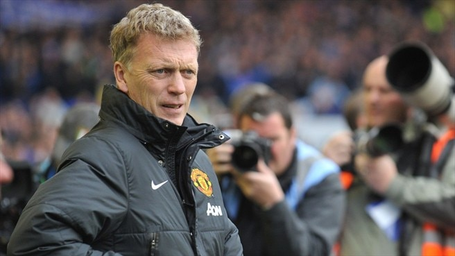 Moyes makes way at Manchester United
