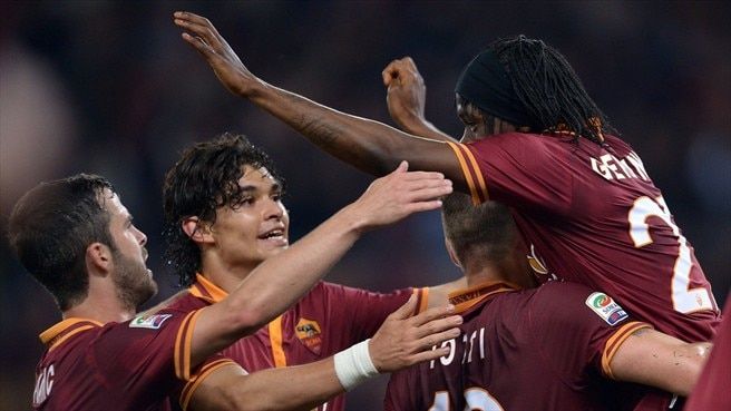 Roma victory keeps Juventus waiting
