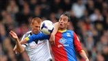 Steve Sidwell (Fulham FC) & Marouane Chamakh (Crystal Palace FC)