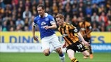 Phil Jagielka (Everton FC) & Stephen Quinn (Hull City AFC)