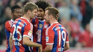 Bayern on song as Schalke break duck