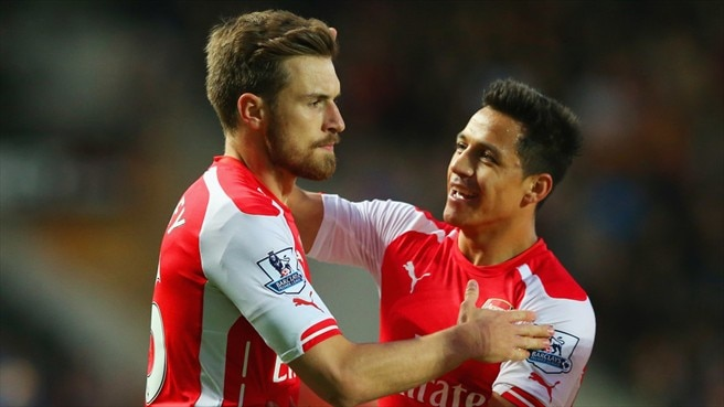 Arsenal brush Hull aside to close on second spot