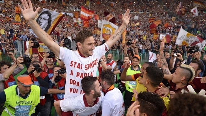 Roma secure second spot with derby success