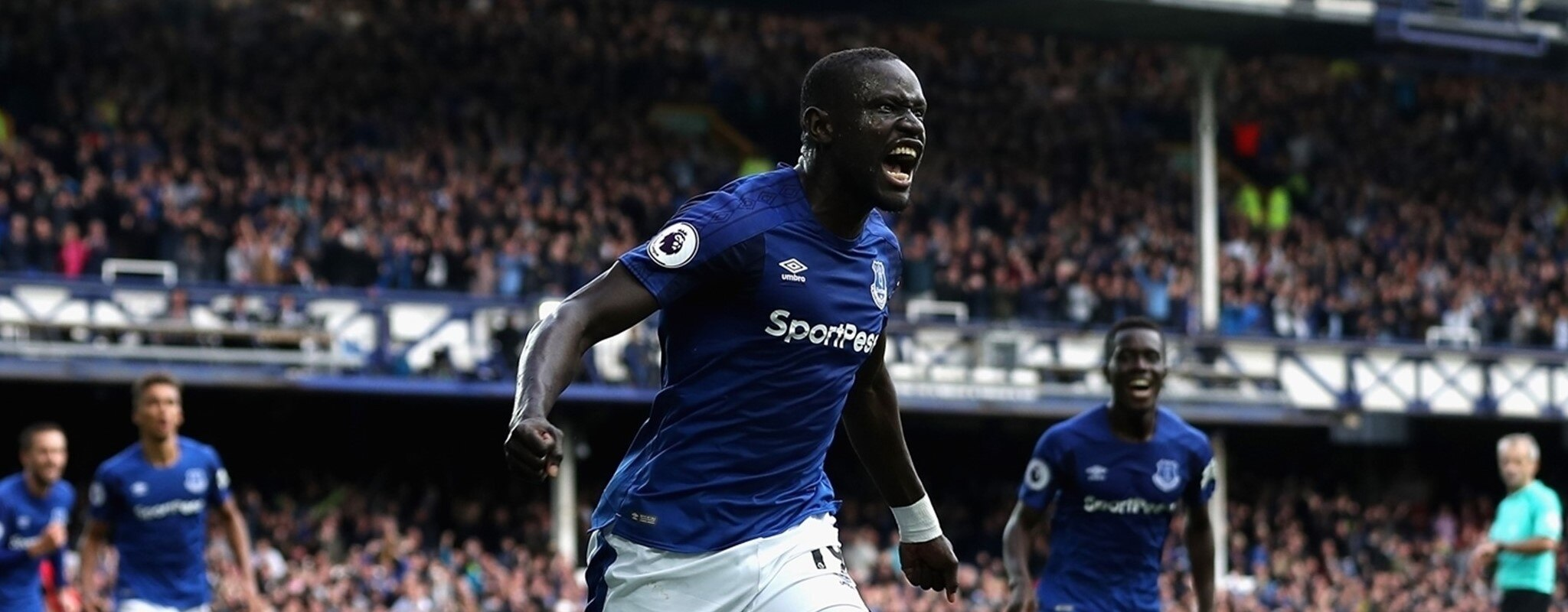 Niasse relieves Everton, Athletic blow three points