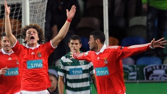 Benfica march into League Cup final