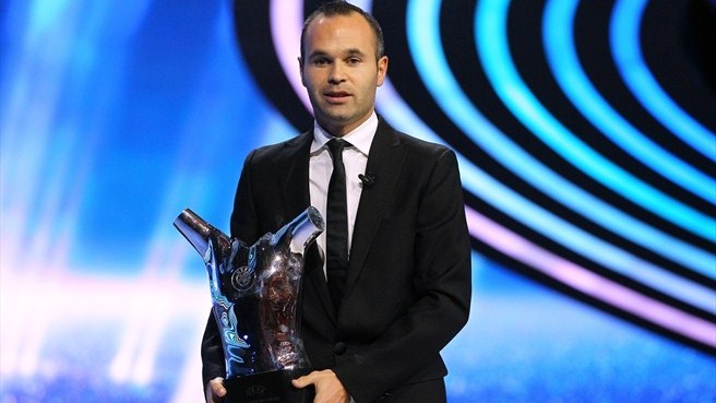 Iniesta claims UEFA Best Player in Europe Award
