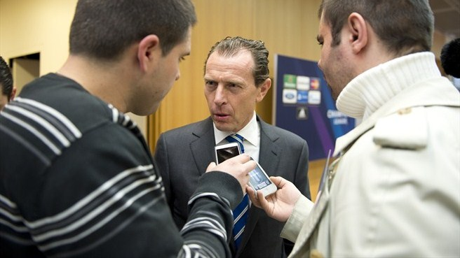 Emilio Butragueño (UEFA Champions League round of 16 draw)