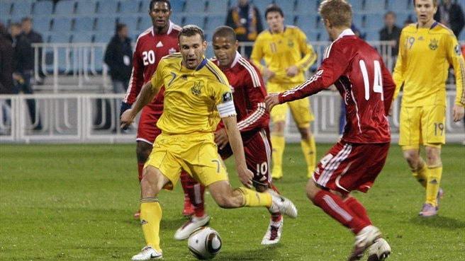 Tymoshchuk saves Ukraine and Shevchenko's night