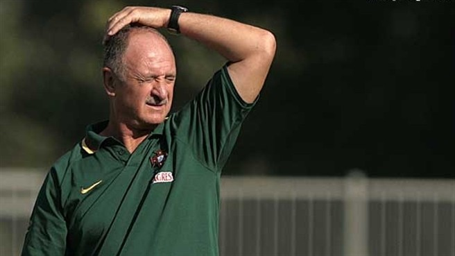 Scolari perturbed as Serbia call