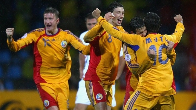 Rampant Romania sign off in style