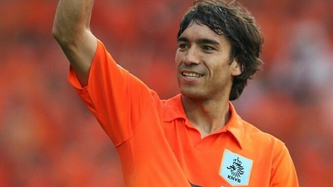 Van Bronckhorst up for a challenge