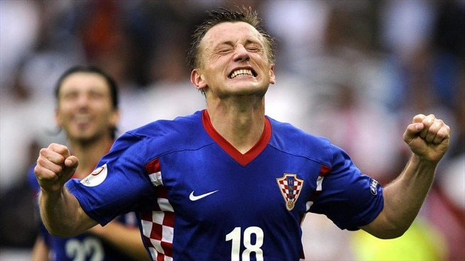 Olić kick-starts Croatian celebrations