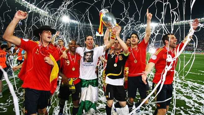 Torres ends Spain's long wait for glory