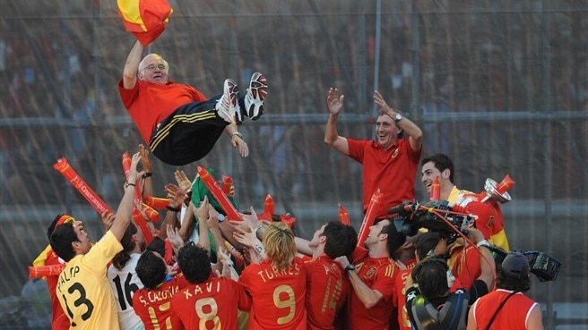 Aragonés recollects Spain's glory in Vienna