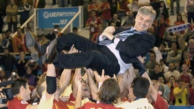 Spain reign again in futsal