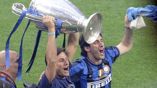 Zanetti and Milito sign new Inter contracts