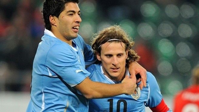 Forlán and Suárez set sights on France
