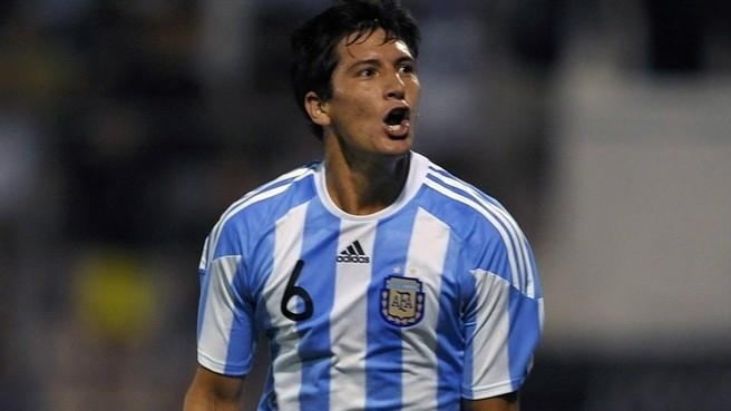 Roma bring in Burdisso from Rosario Central