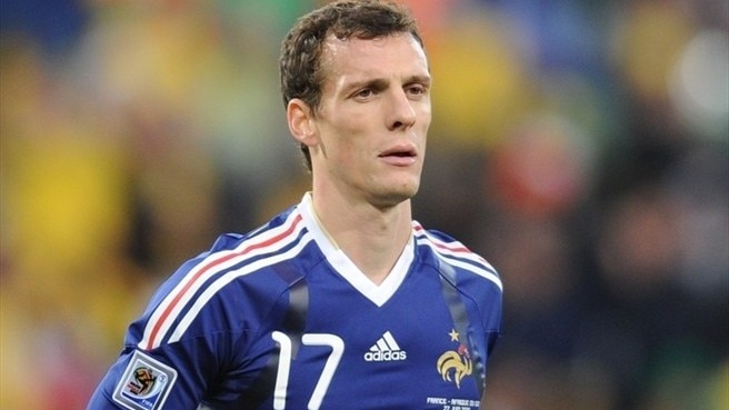 Squillaci brought in to bolster Arsenal
