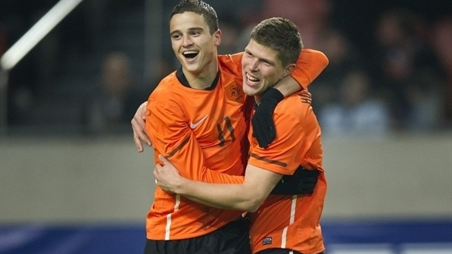 Huntelaar gives Dutch the edge on Turkey